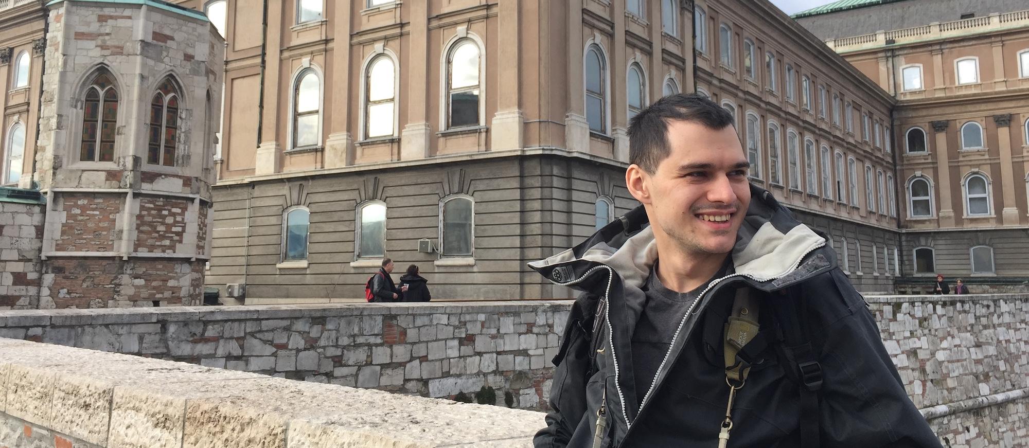 Александр Левицкий посещает континенты, страны и города, чтобы понимать устройство мира.