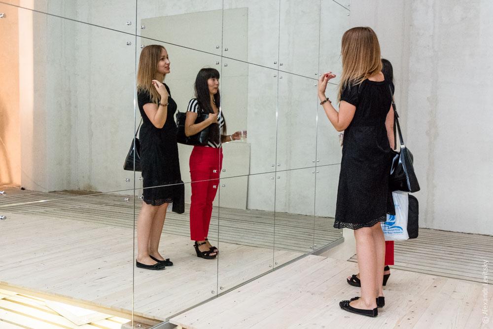 Репортаж арт-выставки в музее морского флота в Одессе